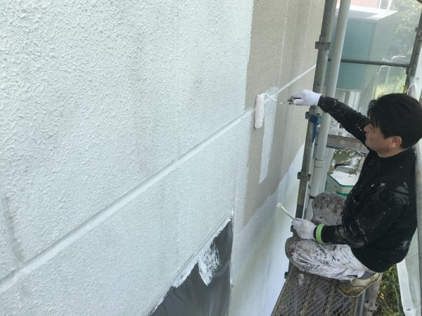 素材と状態にあった外壁の下塗り
